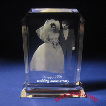 Rectangular cornercut photo crystal with base